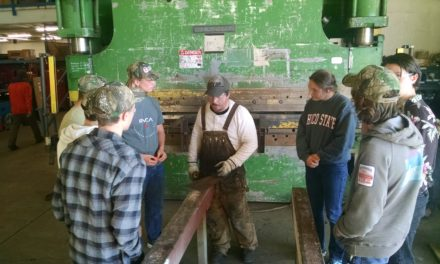 Arcata Students Tour O&M Industries